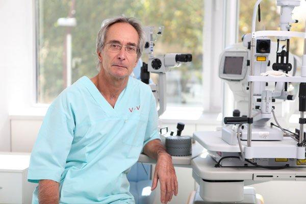 Dá sa šedý zákal liečiť aj inak ako operačne? Budem nosiť po operácií okuliare?